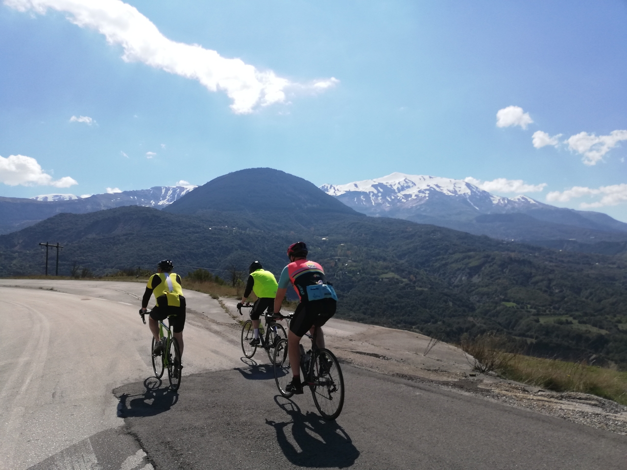From Preveza to Thessaloniki via the edge of the Pindus Mountains and Mount Olympus. An exciting mix of Alpine-esque mountain roads, winding valley roads and sections along the Mediterranean coast, this ride has it all!